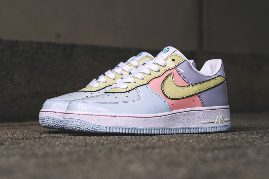 Chaussure Nike Air Force 1 Low Retro Easter Egg Lime Ice 2017