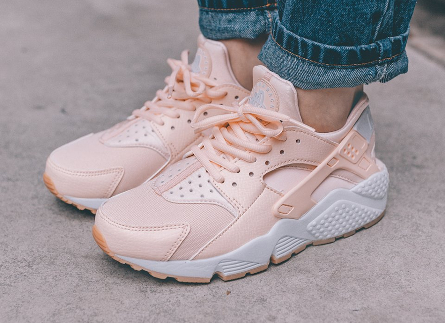 Nike Wmns Air Huarache 'Sunset Tint'