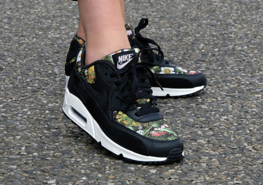 Chaussure Nike Air Max 90 PRM Femme Floral Spring Garden Black femme (4)