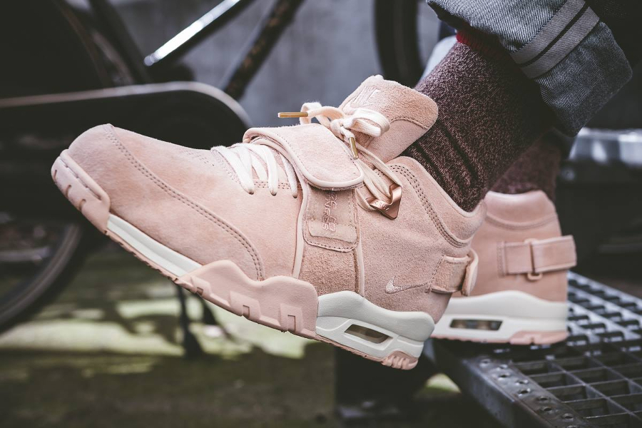 Nike Air Trainer V Victor Cruz 'Easter' Pastel (Orange Quartz)
