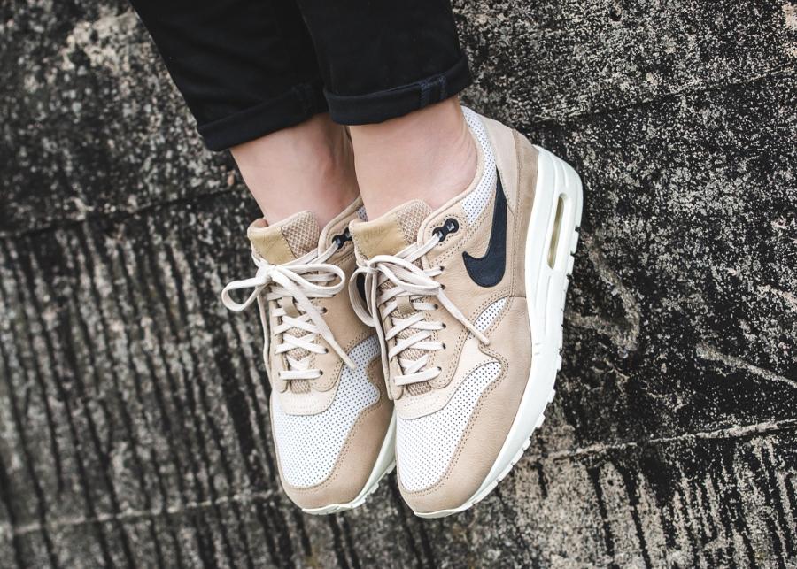850e0390b84 Chaussure Nike Wmns Air Max 1 Pinnacle Beige Mushroom (femme) (2)