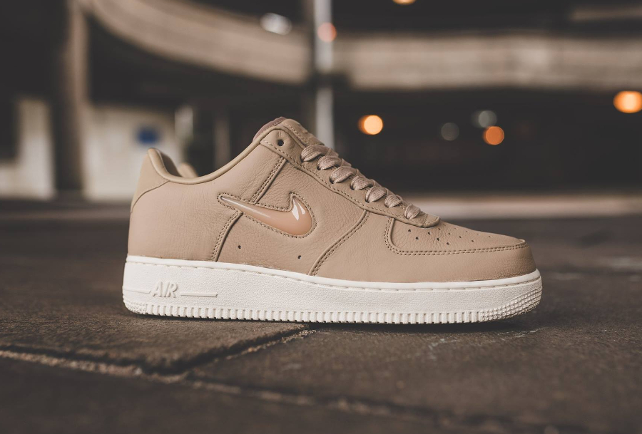 Chaussure-NikeLab-Air-Force-1-Low-Premium-Mushroom-1