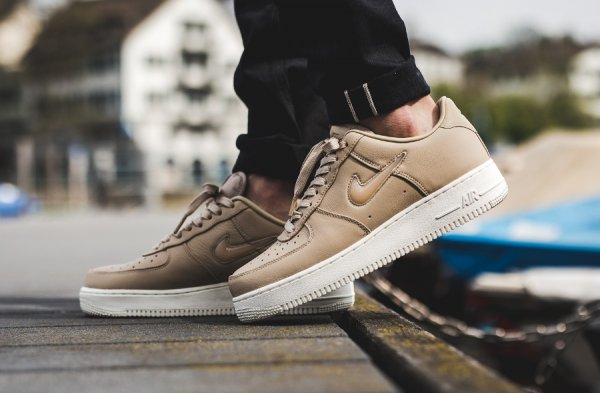 Chaussure NikeLab Air Force 1 Low Premium Mushroom