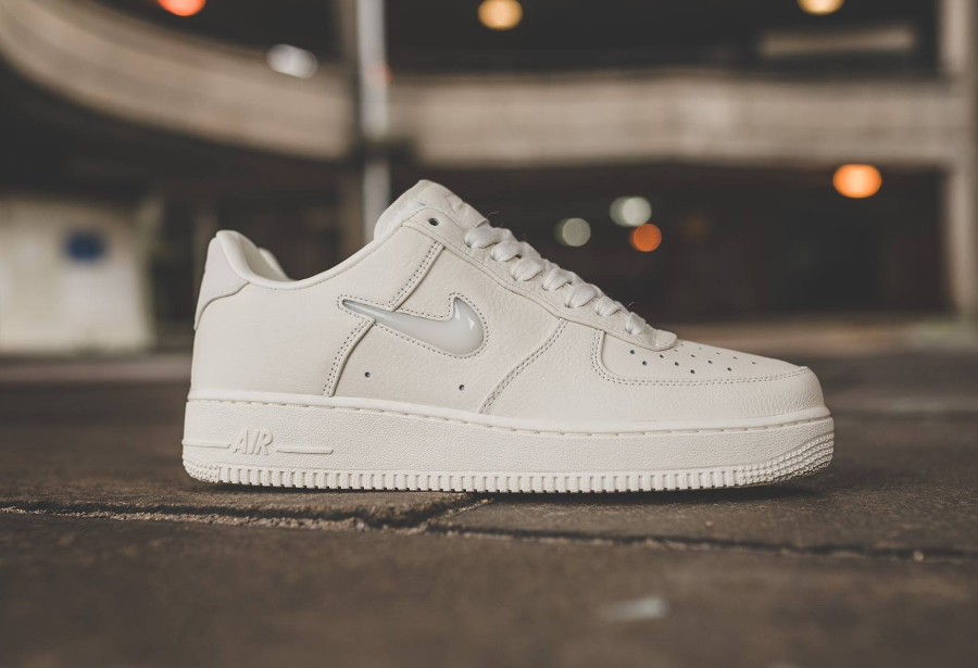 Chaussure-NikeLab-Air-Force-1-Low-Premium-Sail-1