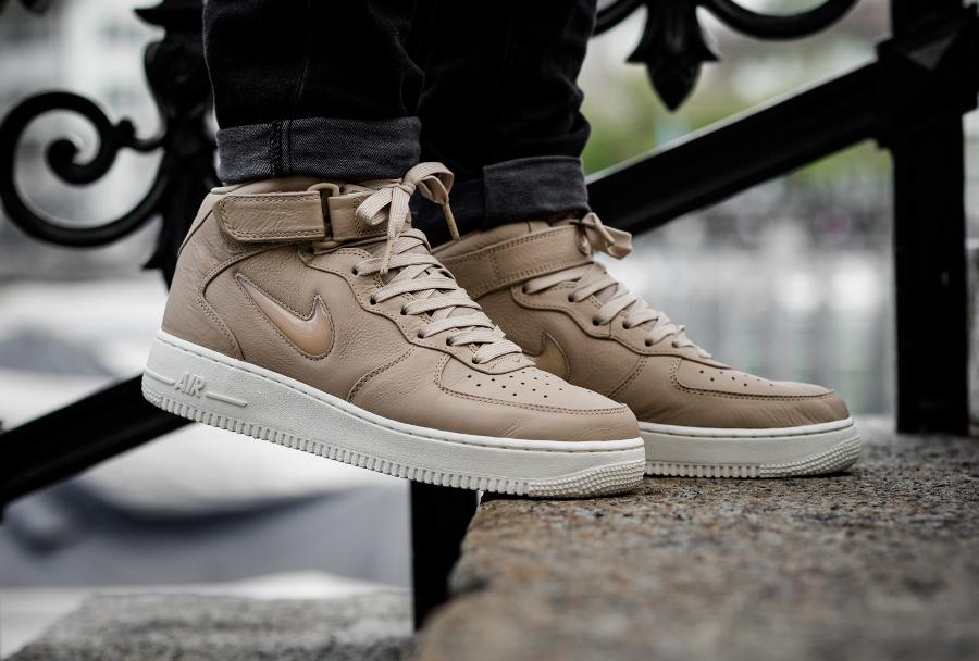 Chaussure NikeLab Air Force 1 Mid Premium Mushroom