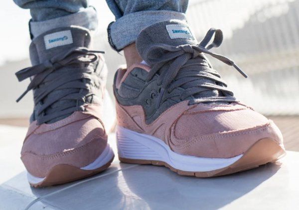 Saucony Grid 8000 'Charcoal Salmon'