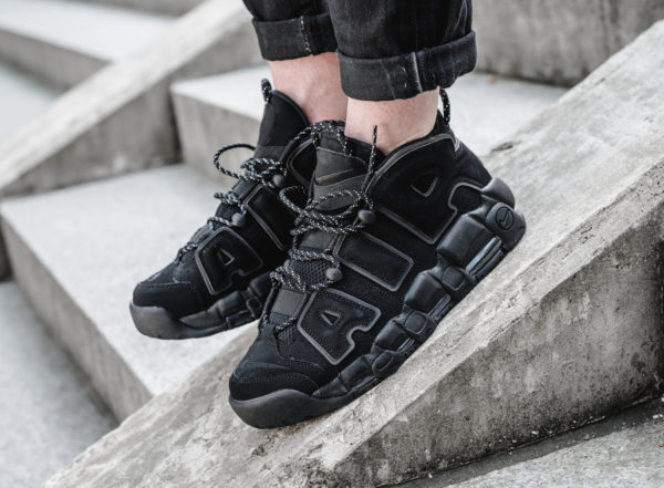 Nike Air More Uptempo QS Noire Triple Black 3M Reflective Laces on feet (1)