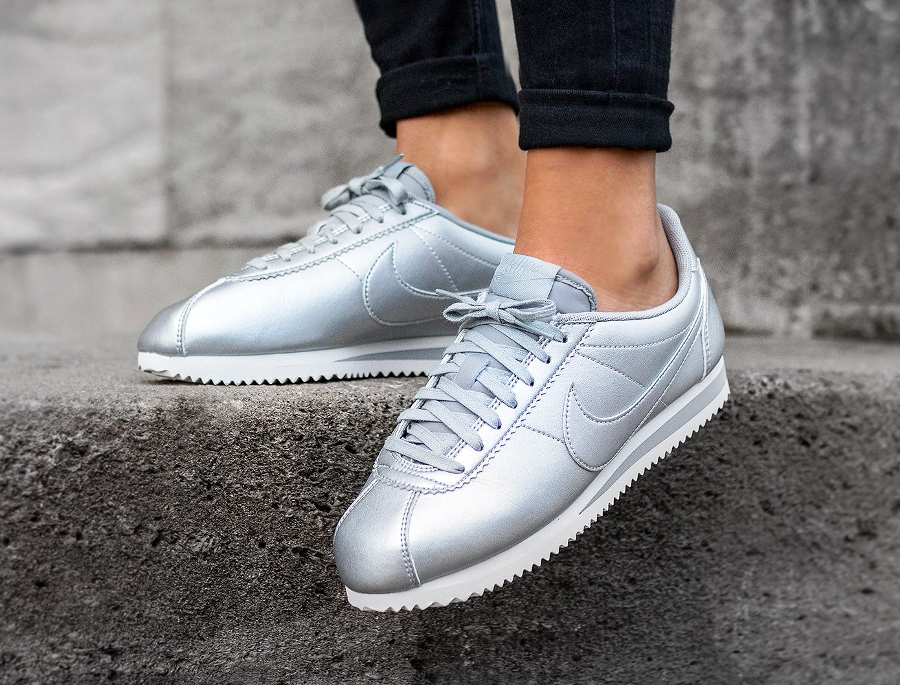 new concept 66859 0423f Nike Cortez Leather Metallic Silver femme pas cher