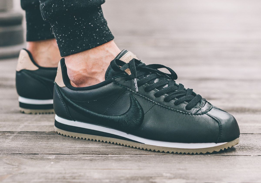 Nike Cortez Leather Premium Black Embroidered Swoosh pas cher