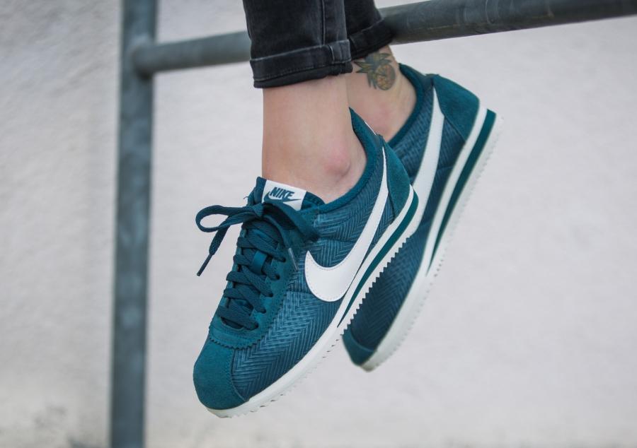 Nike Wmns Cortez Textile Midnight Turquoise femme pas cher