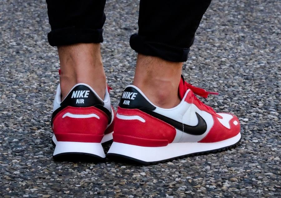 Basket Nike Air Vortex Jordan Chicago rouge et noir (1)