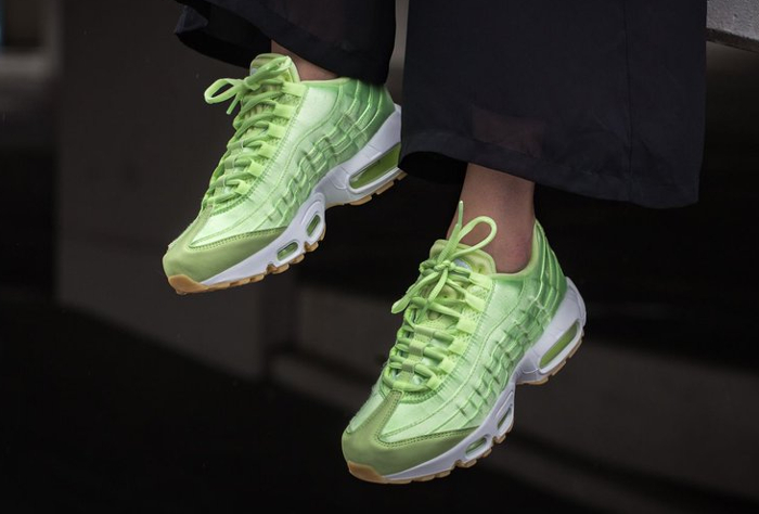 Basket Nike Wmns Air Max 95 Light Liquid Lime (quickstrike) (1)