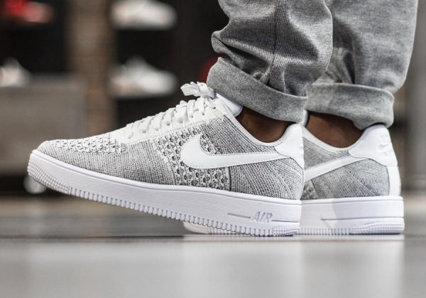 Chaussure Nike Air Force 1 Ultra Flyknit Low Gris Cool Grey homme (1)