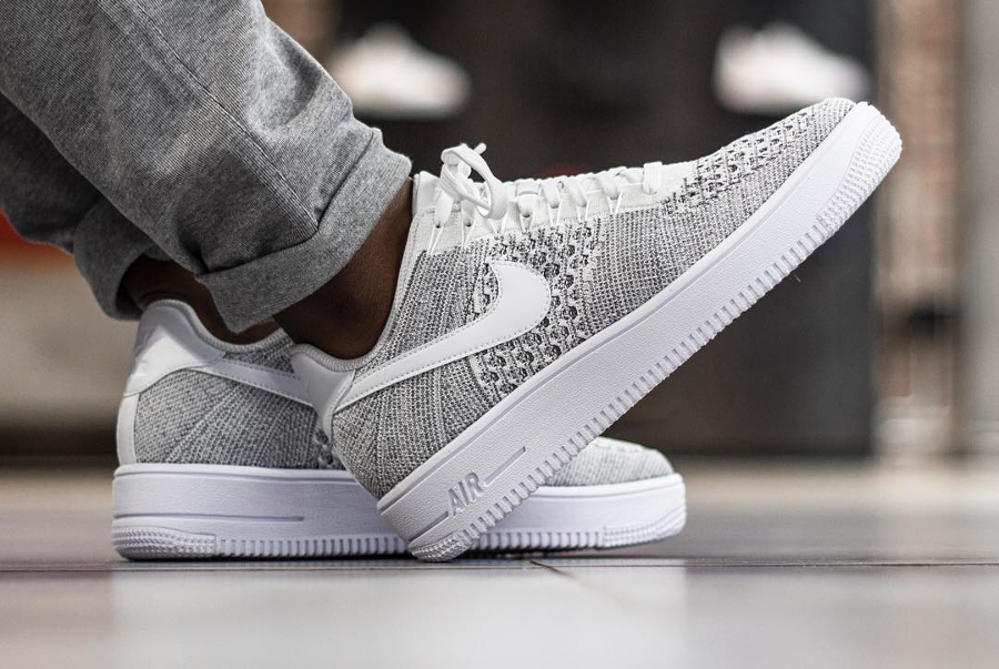 Chaussure Nike Air Force 1 Ultra Flyknit Low Gris Cool Grey homme (2)