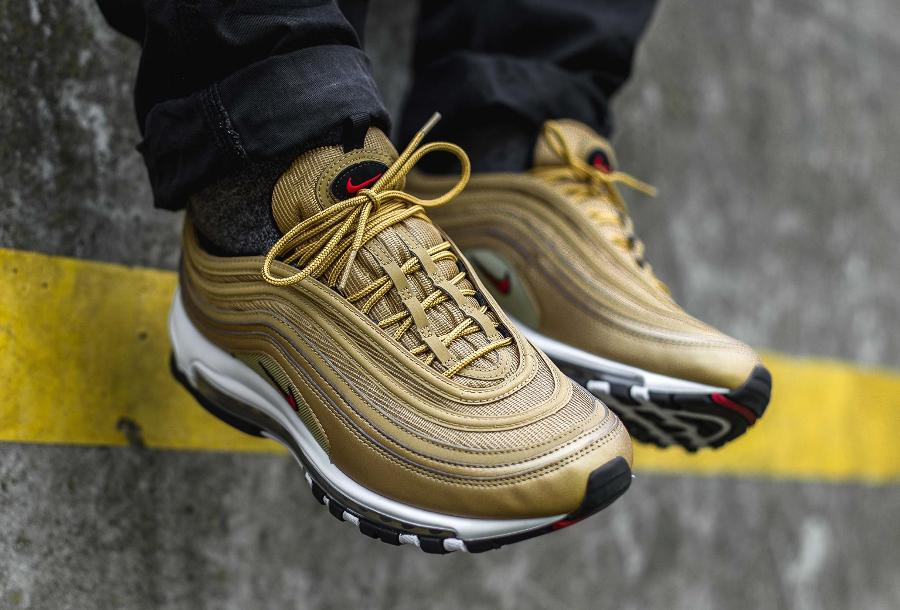 Chaussure Nike Air Max 97 OG QS dorée Metallic Gold Bullet (homme) (1)