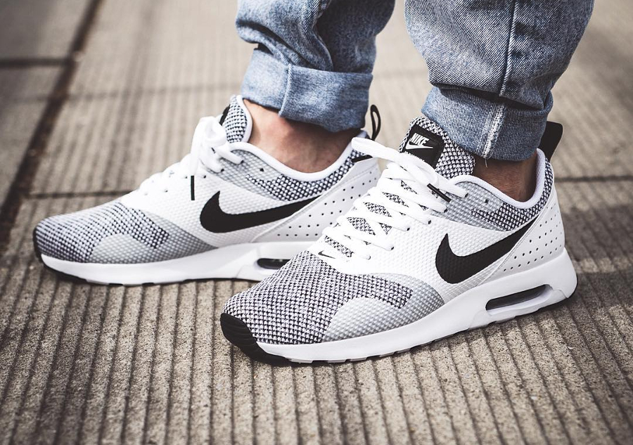 Nike Air Max Tavas Premium 'Black White'