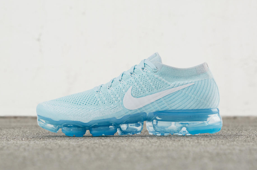 Chaussure Nike Air Vapormax Flyknit Light Blue Day to Night (1)