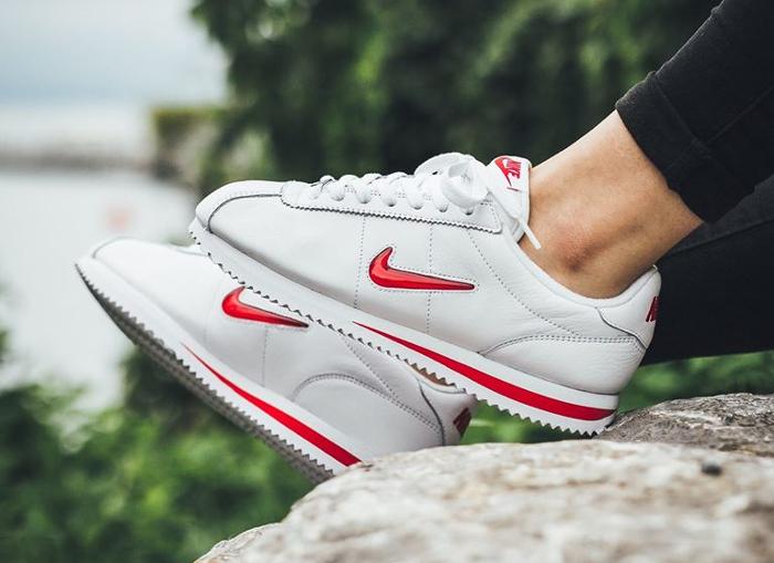 Chaussure Nike Cortez Basic Jewel Rare Ruby (2)