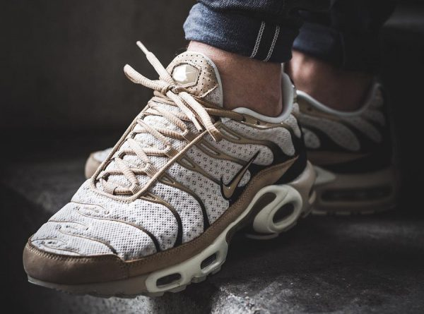 NikeLab Air Max Plus TN Requin Beige 'Light Bone'