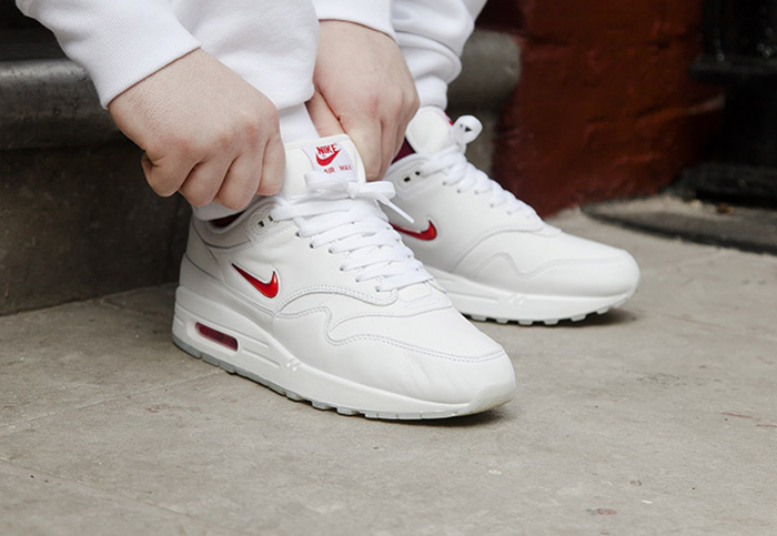 Basket Nike Air Max 1 Premium Jewel White Red (1)