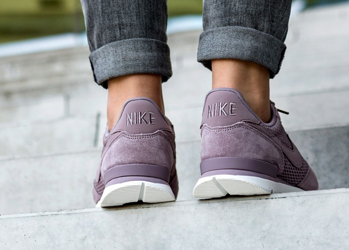 Basket Nike Wmns Internationalist Premium Suede Taupe Grey (2)