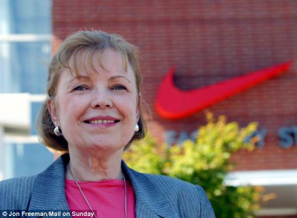 Carolyn Davidson Nike Swoosh