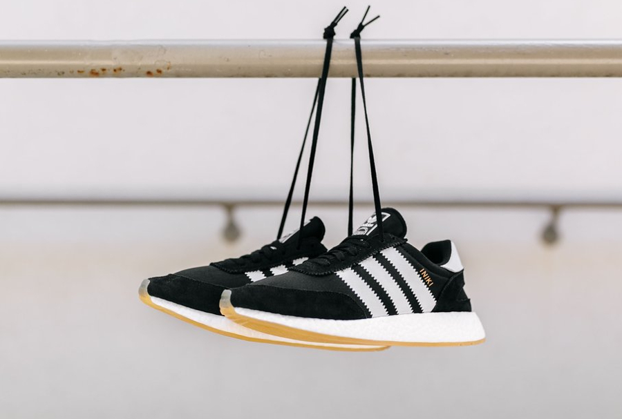 Chaussure Adidas Iniki Runner Boost Black Gum (1)