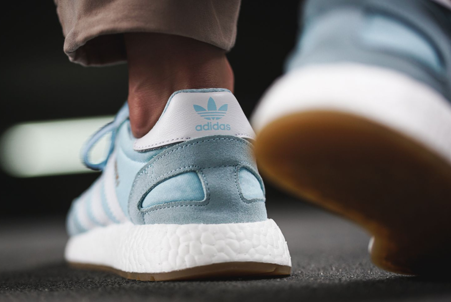 Chaussure Adidas Iniki Runner Boost femme Icey Blue (2)