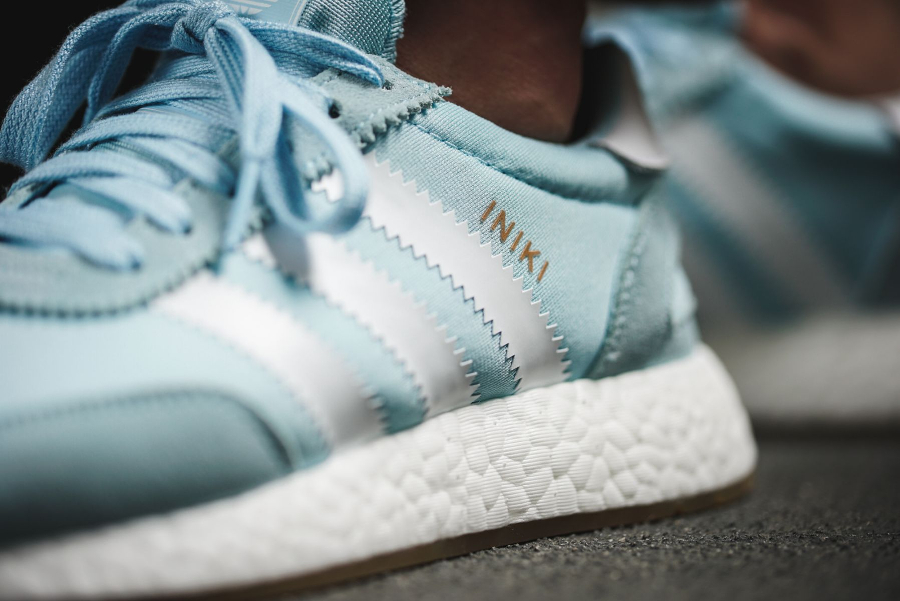 Chaussure Adidas Iniki Runner Boost femme Icey Blue (3)