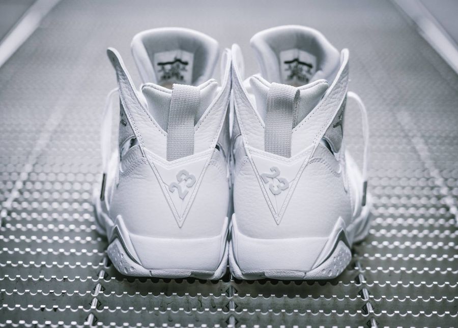 Chaussure Air Jordan VII 7 Retro Blanche Pure Money (4)