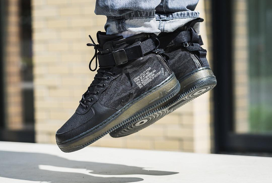Nike BASKETS MONTANTES SF AIR FORCE 1 MID