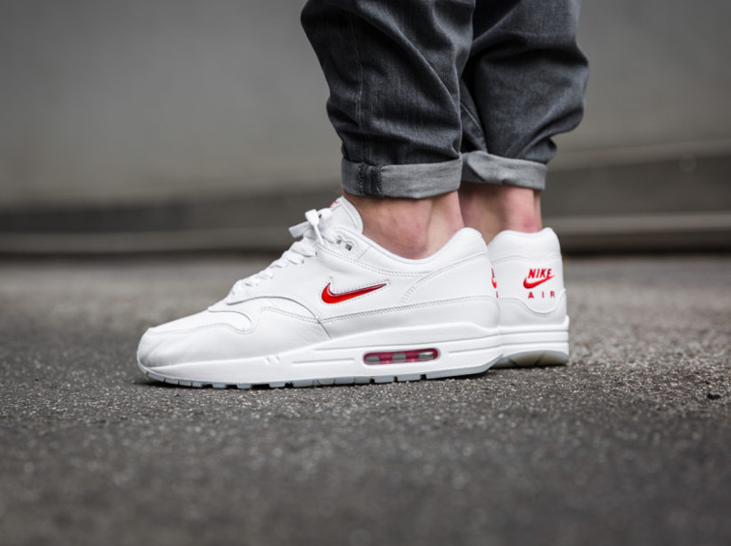 Chaussure Nike Air Max 1 PRM Jewel Rare Ruby (1)