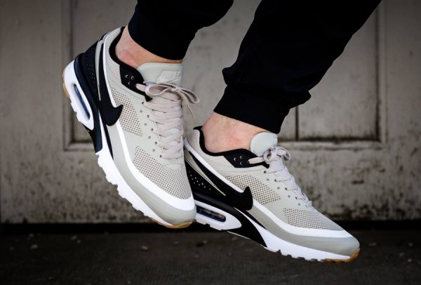 Chaussure Nike Air Max BW Ultra homme Pale Grey Gum (1)