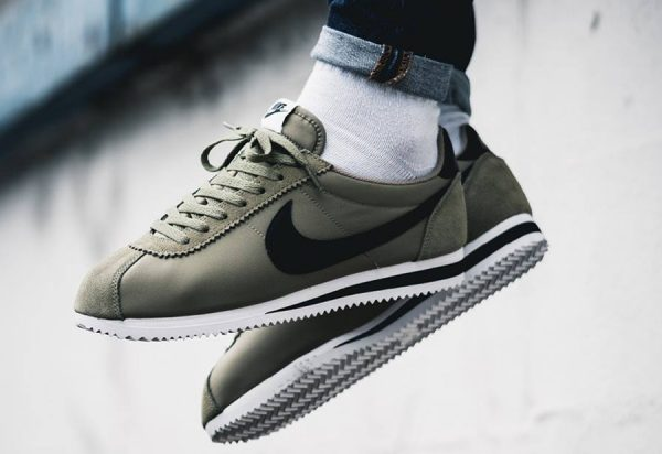 detailed look a5a25 8da66 Chaussure Nike Classic Cortez Nylon homme Trooper (2)