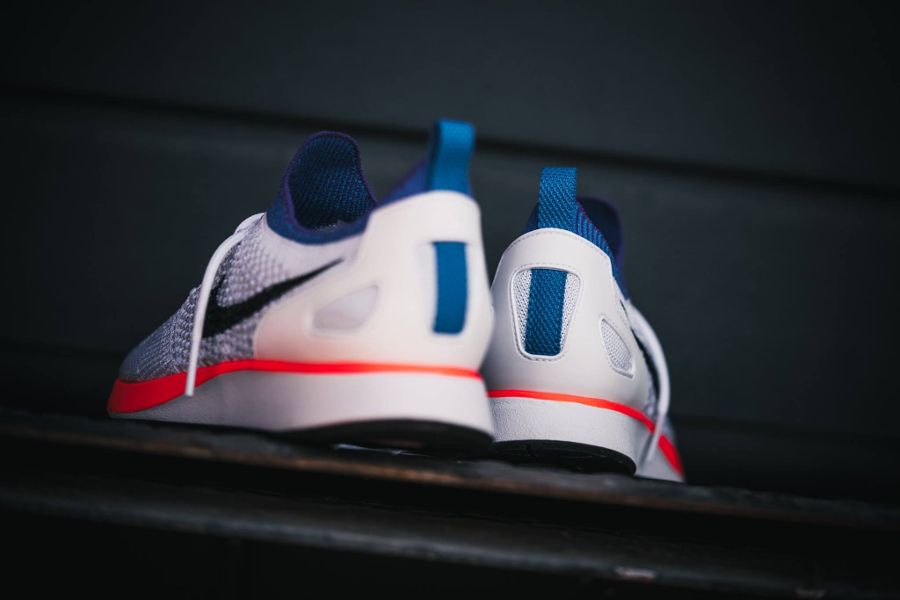 Chaussure Nike Mariah Flyknit Racer Hyper Crimson (3)