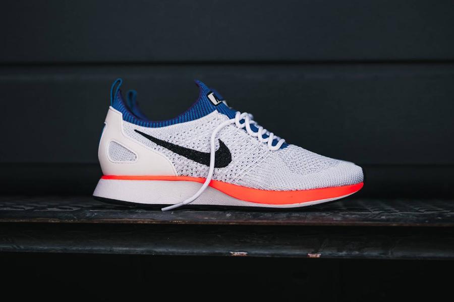 Chaussure Nike Mariah Flyknit Racer Hyper Crimson (5)
