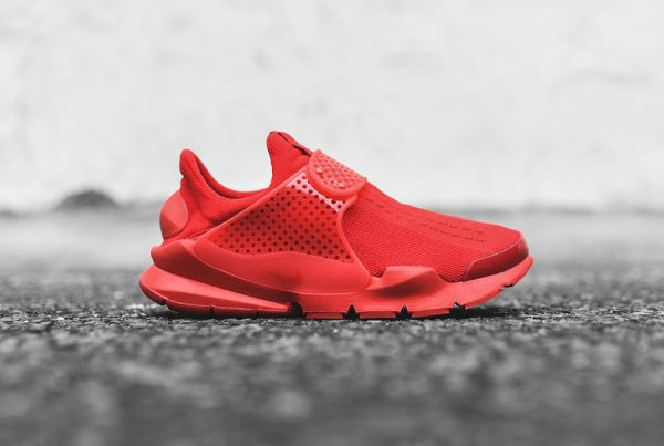 Chaussure Nike Sock Dart Triple Red (Rouge) (1)