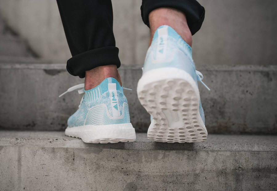Chaussure Parley x Adidas Ultra Boost Uncaged Icey Blue (2)