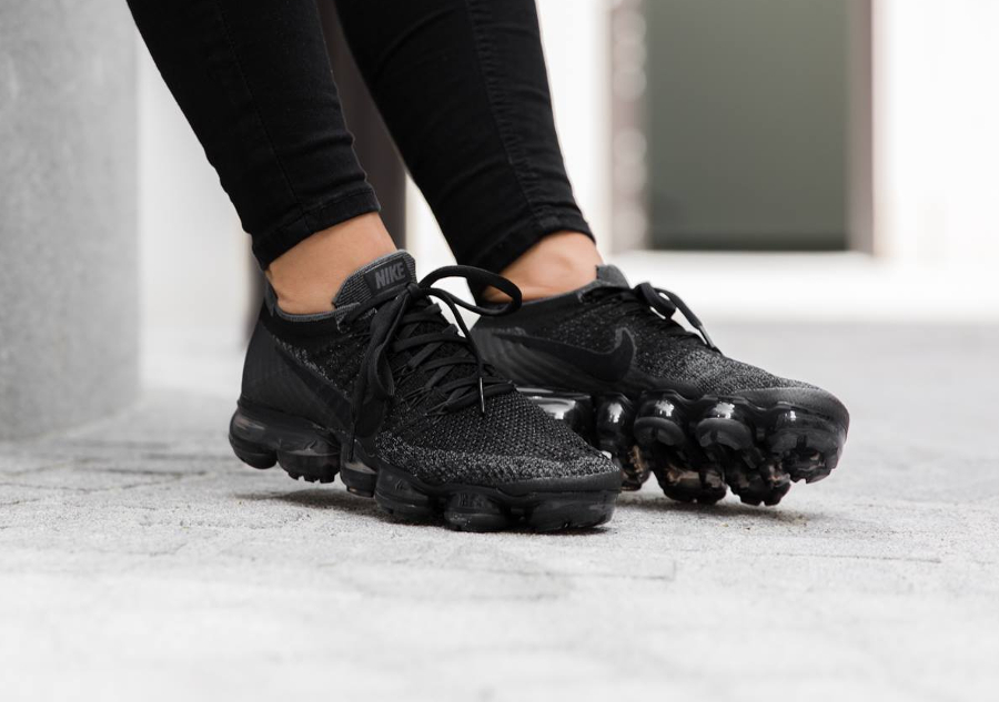nike air vapormax flyknit noire triple black notre avis. Black Bedroom Furniture Sets. Home Design Ideas
