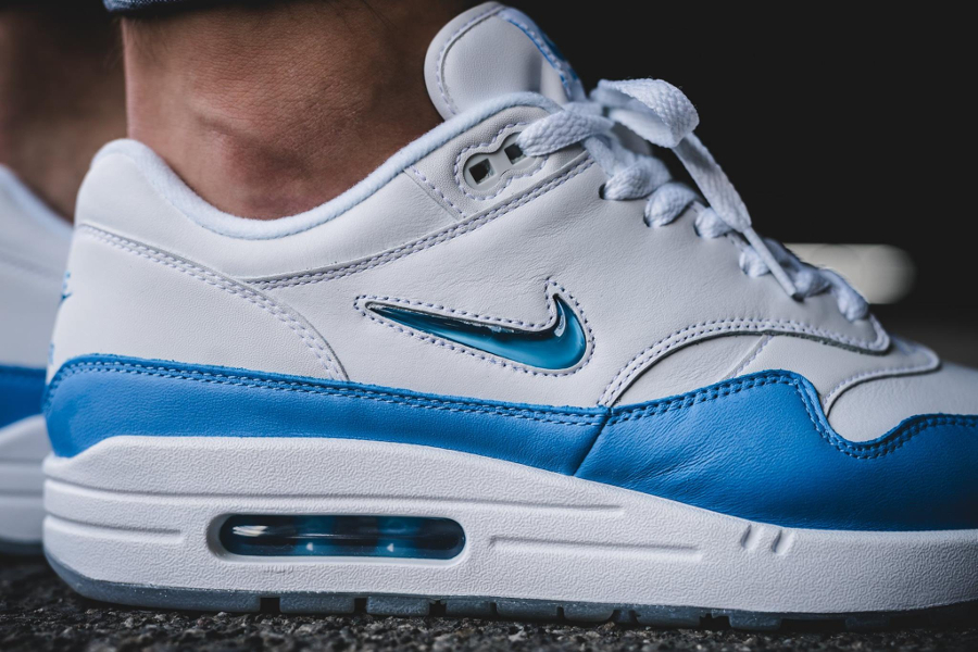 Basket Nike Air Max 1 PRM Jewel University Blue (2)