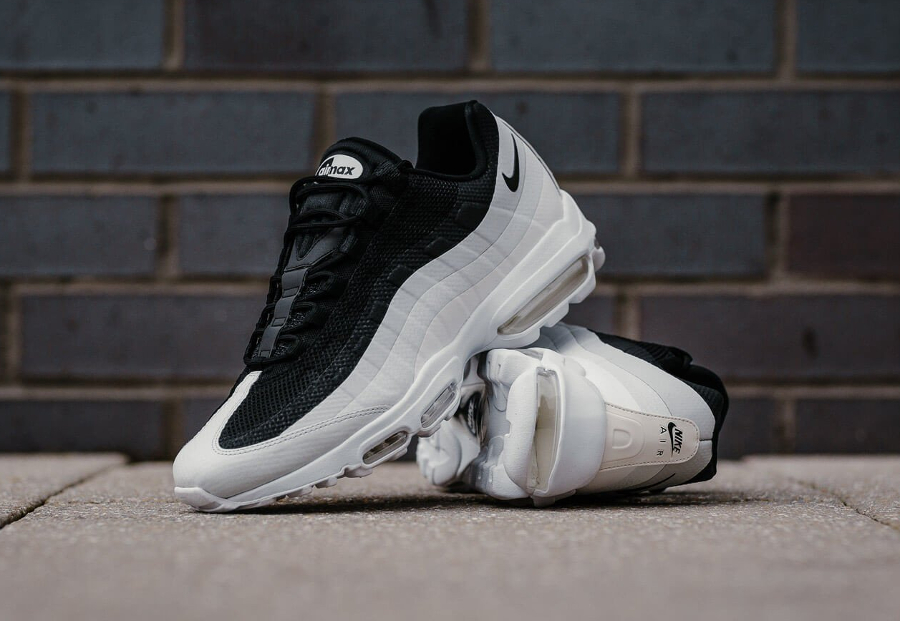 Basket Nike Air Max 95 Ultra Essential Black White (1)