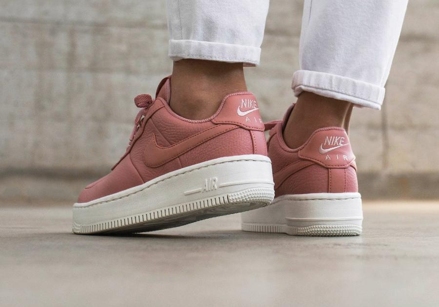 Basket Nike Wmns Air Force 1 Upstep cuir rose (2)