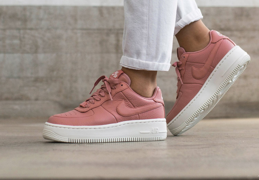 Nike Wmns Air Force 1 Upstep 'Red Stardust'