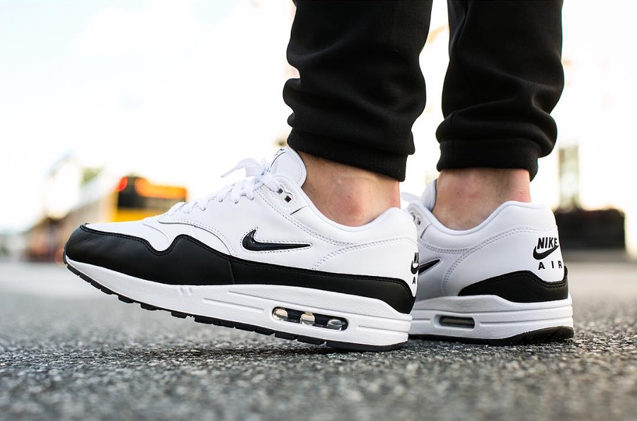 Chaussure Nike Air Max 1 PRM Crown Jewel (3)