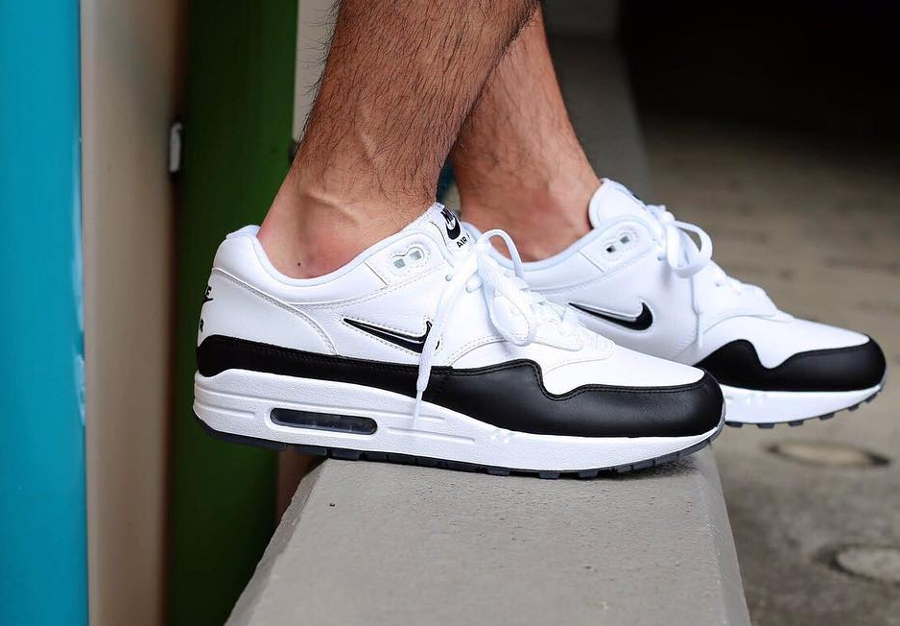 Chaussure Nike Air Max 1 PRM Crown Jewel
