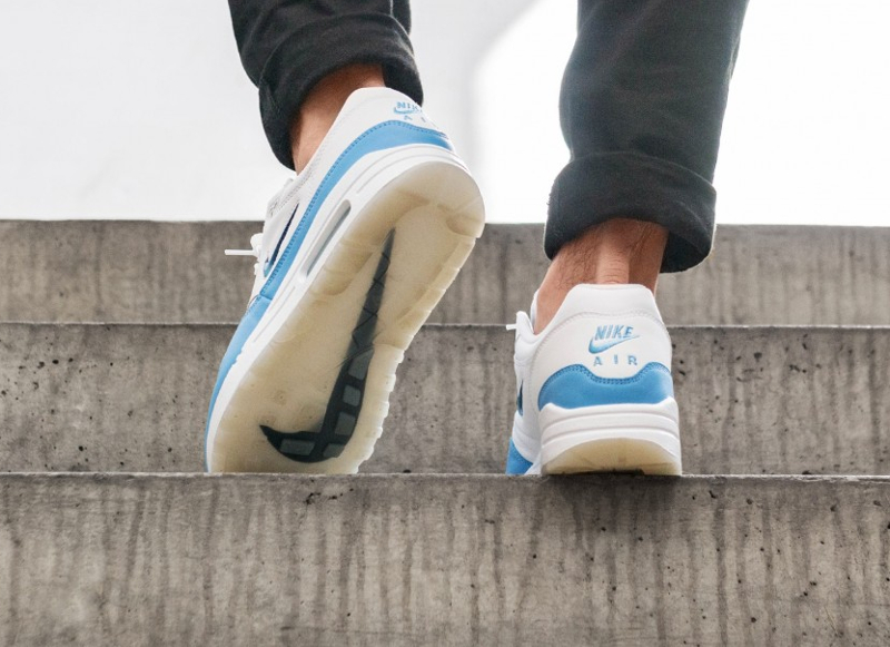 Chaussure Nike Air Max 1 Premium Jewel SC University Blue (5)