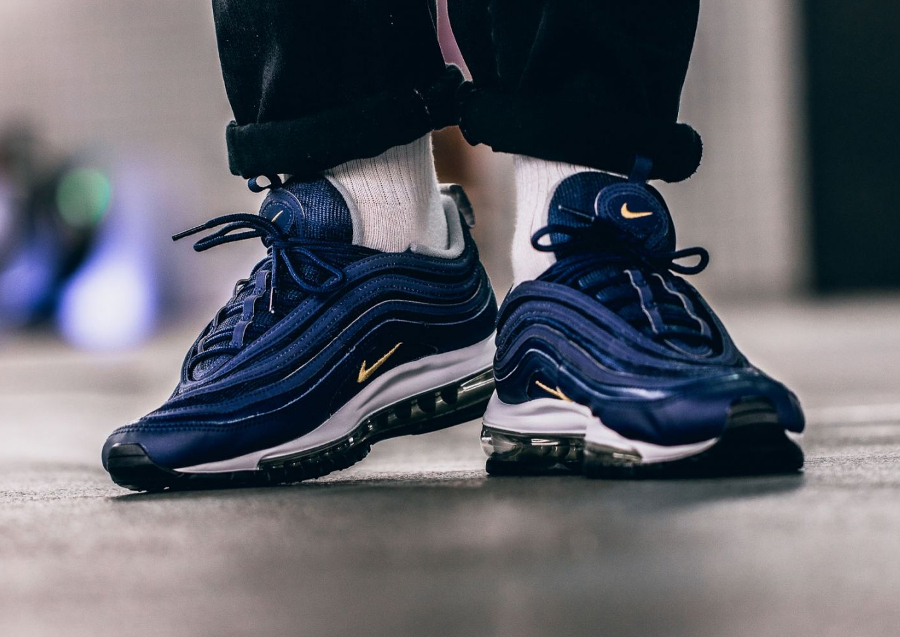 Chaussure Nike Air Max 97 Midnight Navy Gold Nocturne Run (1)