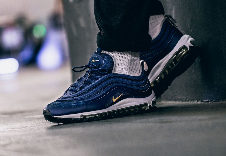 Chaussure Nike Air Max 97 Midnight Navy Gold Nocturne Run (2)