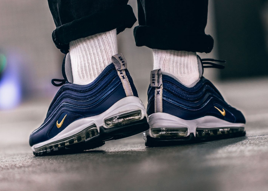 Chaussure Nike Air Max 97 Midnight Navy Gold Nocturne Run (3)