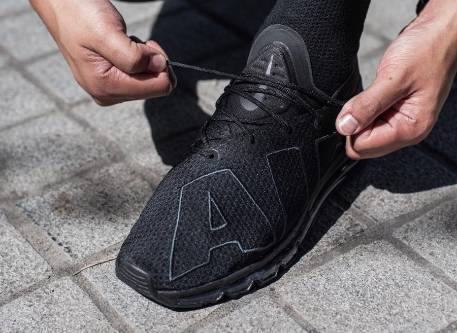 Nike Air Max Flair 'Triple Black'